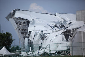 stadium Collapse mmail1